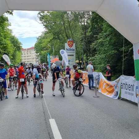 Ambient alaturi de Criteriul Primaverii - concurs ciclist pentru amatori